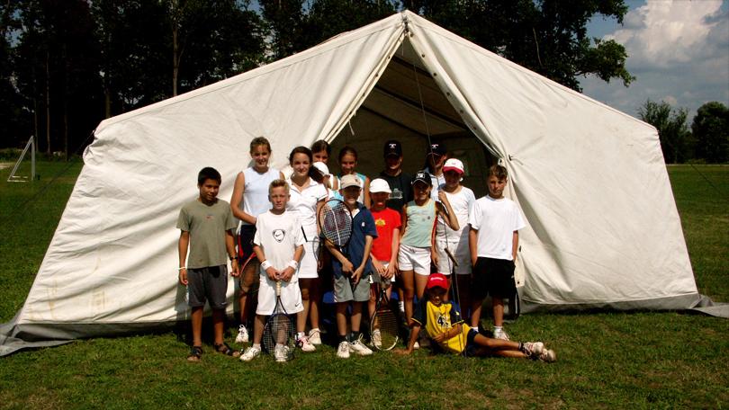 Gruppe vor Zelt_2_2